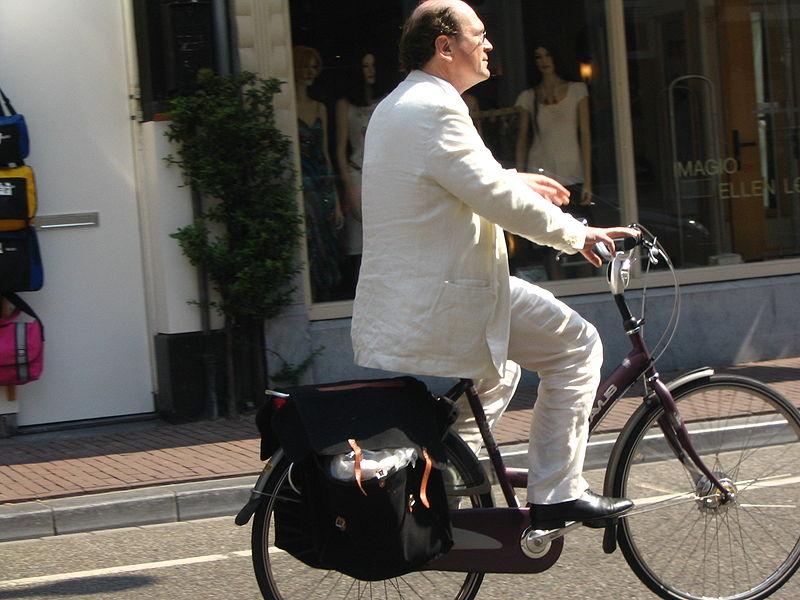 Desplazándose en bicicleta. Foto: Trec_lit (licencia CC)