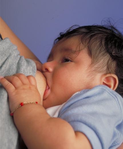 Lactancia materna. Foto: Ken Hammond (licencia CC)