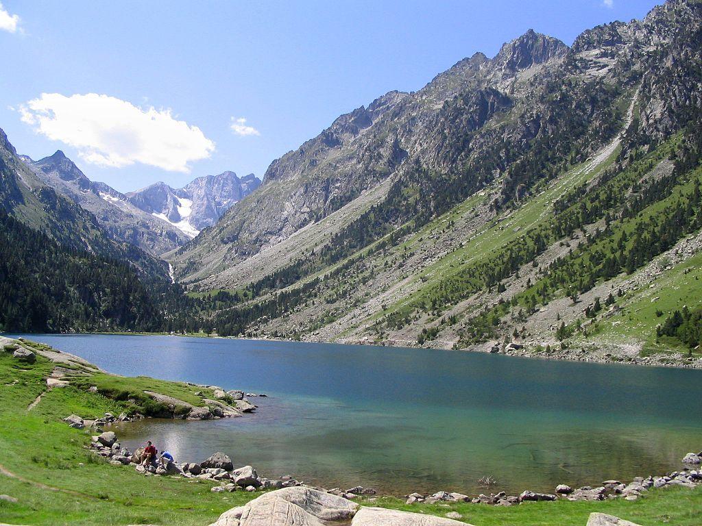 Lago de Gaube con el Vignemale al fondo. Foto: Miguel303xm (licencia CC)