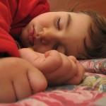 La privación de sueño podría generar un aumento de peso