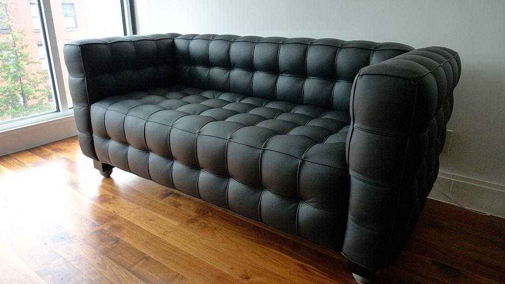 Kubus_sofa-Wikidapit